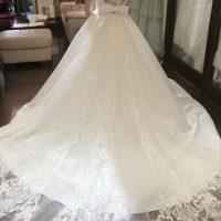 ウェディング白ドレス